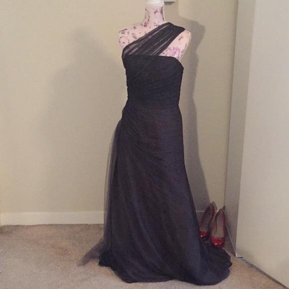 Monique Lhuillier Evening Gowns